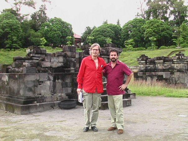 Marco Lupis e Vittorio Sgarbi a Yoyakarta, Indonesia